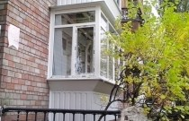 Остекление балкона с обшивкой!