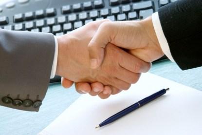 Подписание Договора Конструкт-АЛ с OTP Bank для сотрудничества по программе кредитования IQ energy